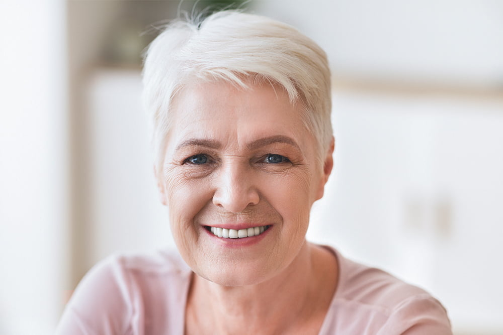 lindeman testi  0001 portrait of senior business lady smiling at camera GA3VGMJ